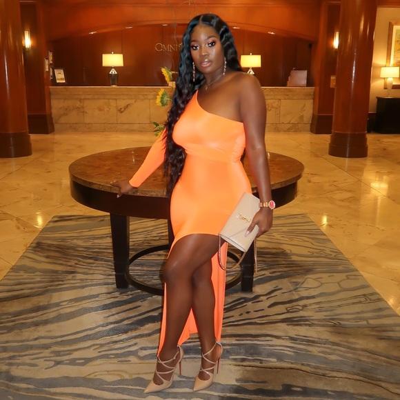 Dresses & Skirts - Orange split dress